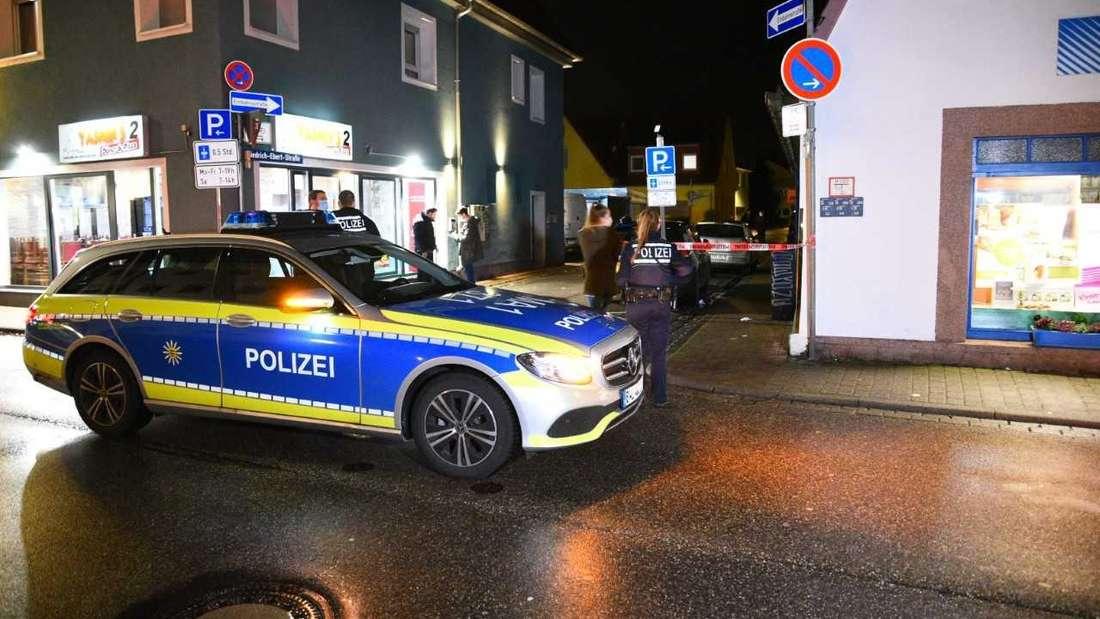 Der Tatort in Eppelheim: Hier soll vor einem Imbiss eine Person niedergestochen worden sein.