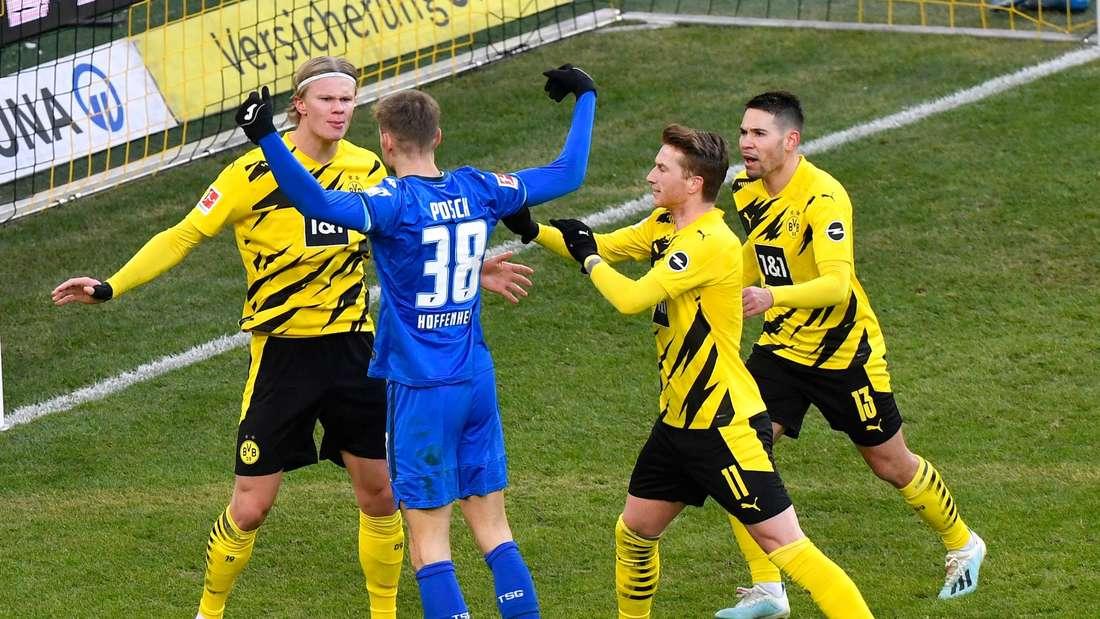 Hoffenheims Posch gerät nach dem späten Ausgleich mit BVB-Stürmer Haaland aneinander.