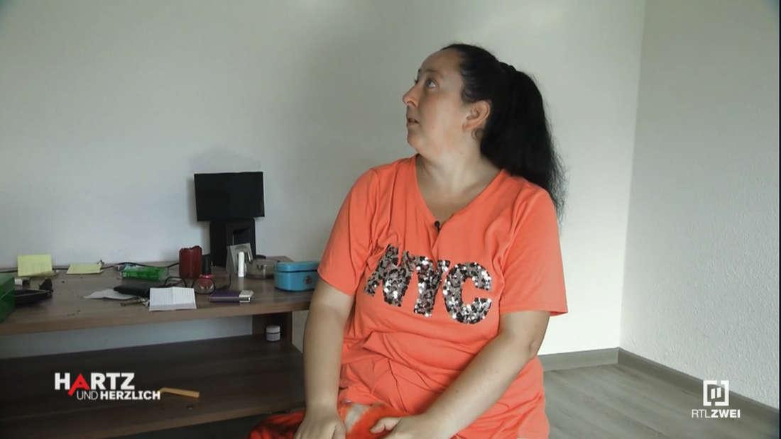 Hartz und herzlich: Petra spricht mit ihrer verstorbene Mutter Christa