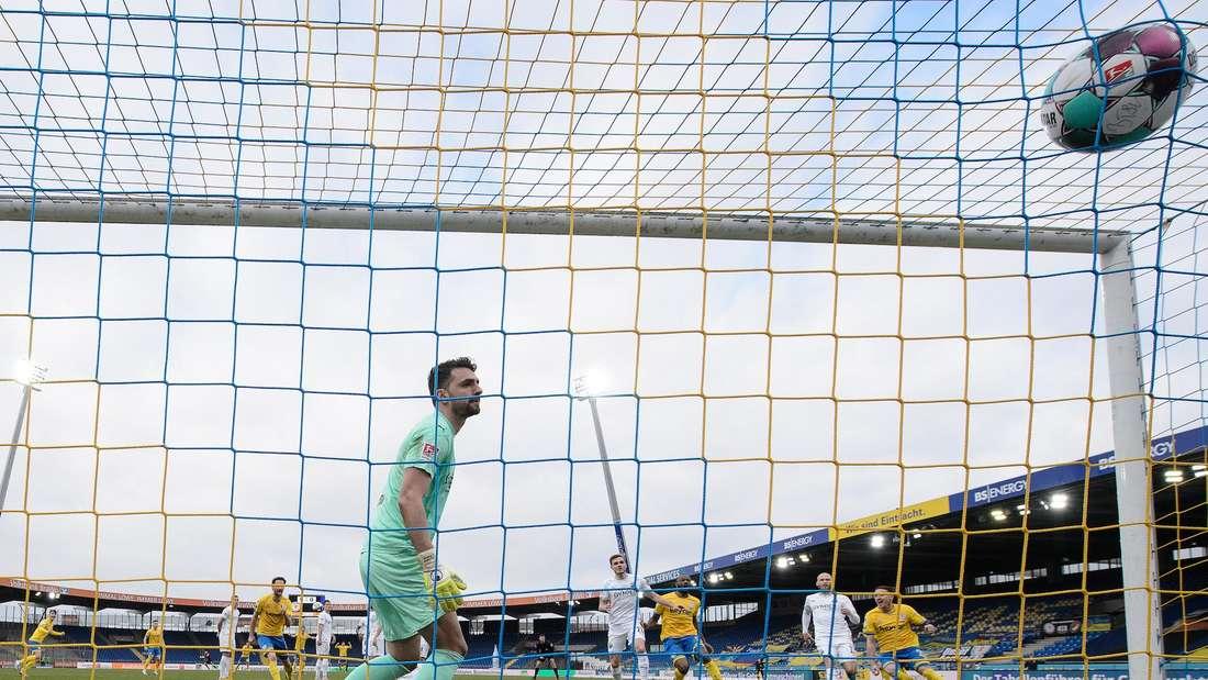 Durch das Traumtor von Felix Kroos gewinnt Eintracht Braunschweig gegen den SV Sandhausen.