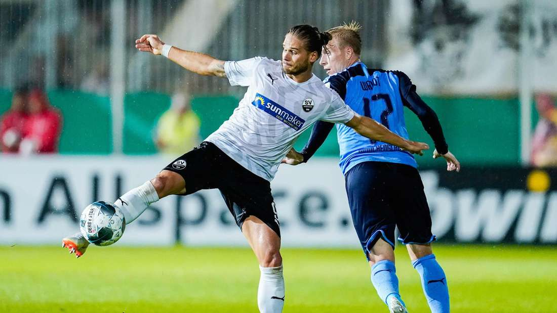 Rurik Gislason (li.) im Trikot des SV Sandhausen.