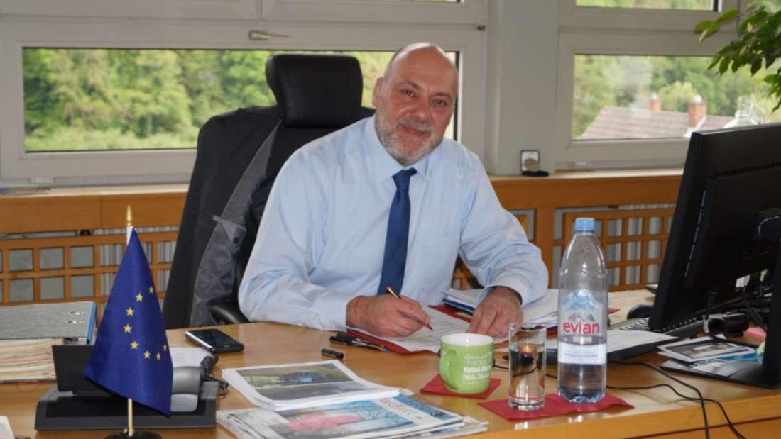 Bürgermeister Frank Volk (53) aus Neckargemünd teilt auf Facebook gegen die deutsche Corona-Politik aus.