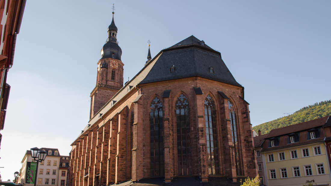 Im Herz der Heidelberger Altstadt thront die Heiliggeistkirche.