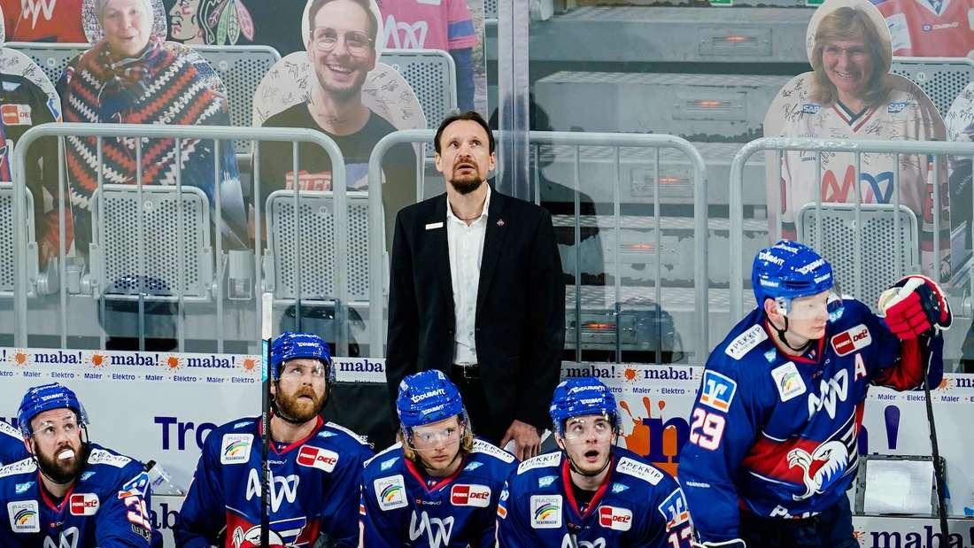 Coach Pavel Gross hat die Adler Mannheim ins Halbfinale geführt.
