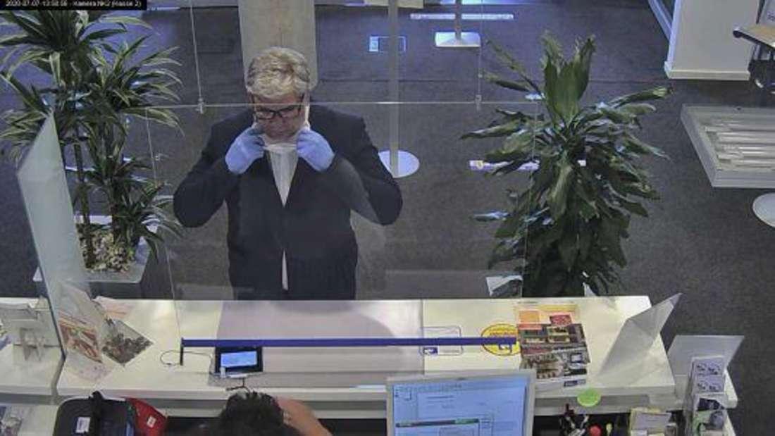 """""""Aktenzeichen XY... ungelöst"""": Betrüger zeigt gefälschten Ausweis vor und kennt die Kontonummer auswendig."""