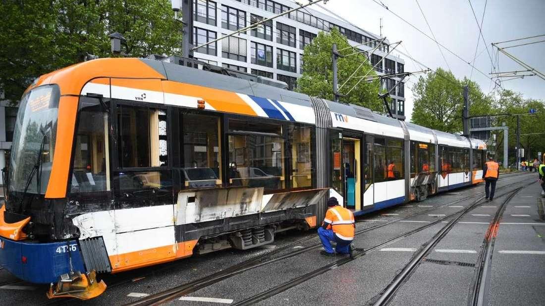 Am Dienstagnachmittag ist eine Straßenbahn am Römerkreis in Heidelberg entgleist.