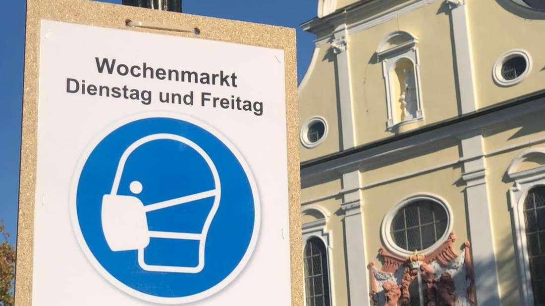 Auf dem Frankenthaler Marktplatz herrscht an Markttagen weiterhin Maskenpflicht.