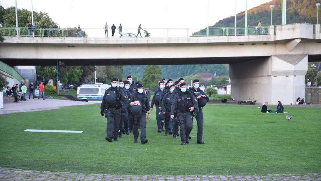 Nach schweren Ausschreitungen an Pfingsten auf der Neckarwiese: Hundertschaft der Polizei im Einsatz. (Archivbild)