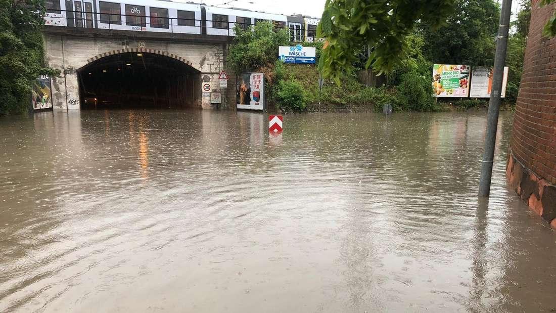 Worms: Die Gaustraße samt Tunnel sind überschwemmt