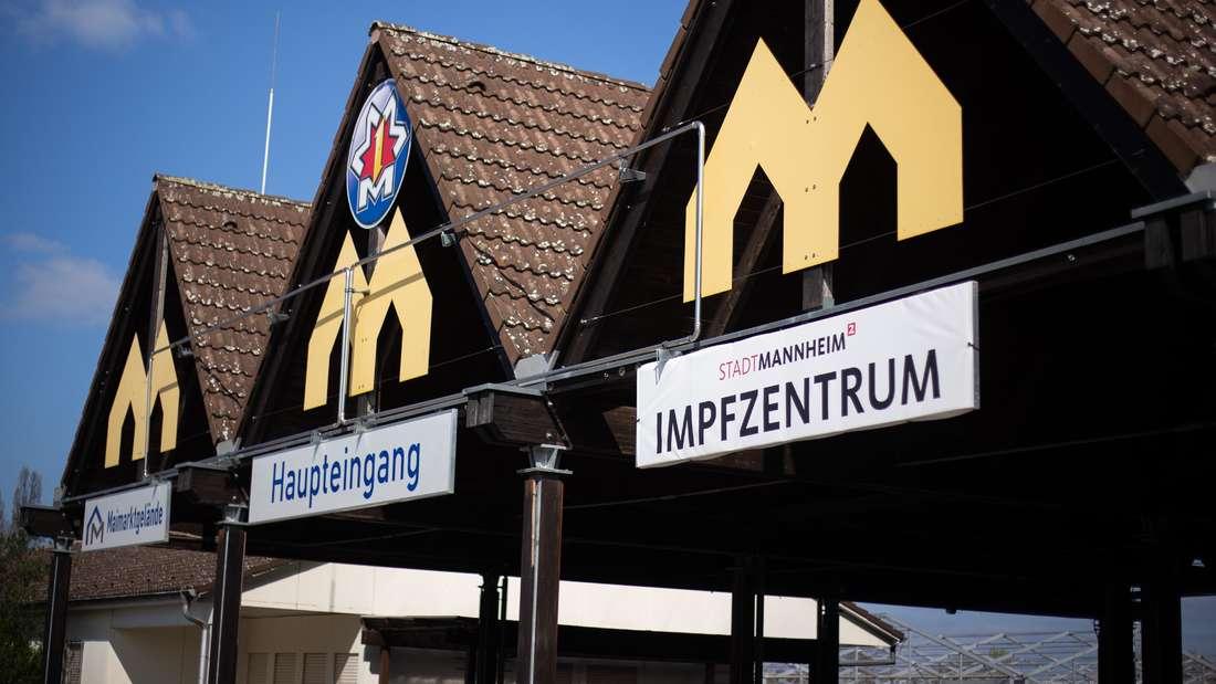Das Impfzentrum in Mannheim auf dem Maimarktgelände.