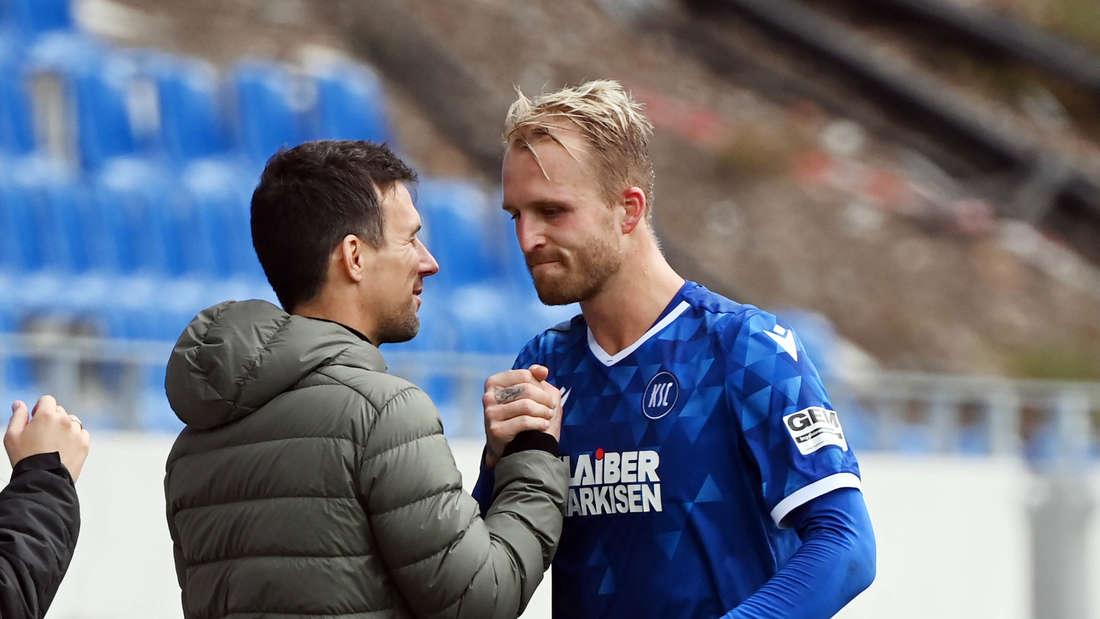 Philipp Hofmann (r.) mit KSC-Trainer Christian Eichner (li.)