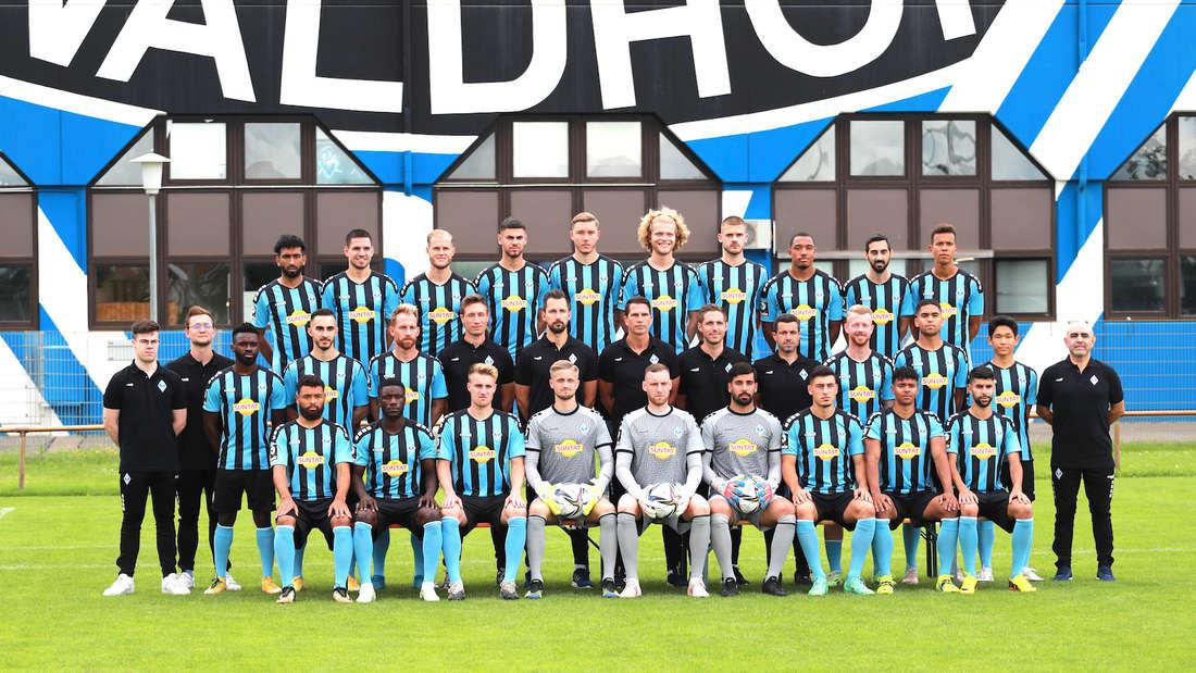 Saison 2021/22: Das Mannschaftsfoto des SV Waldhof Mannheim.