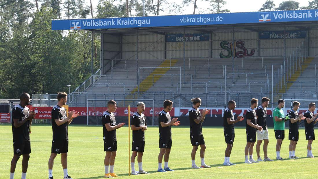 Die Spieler des SV Sandhausen bei der Mannschaftsvorstellung.