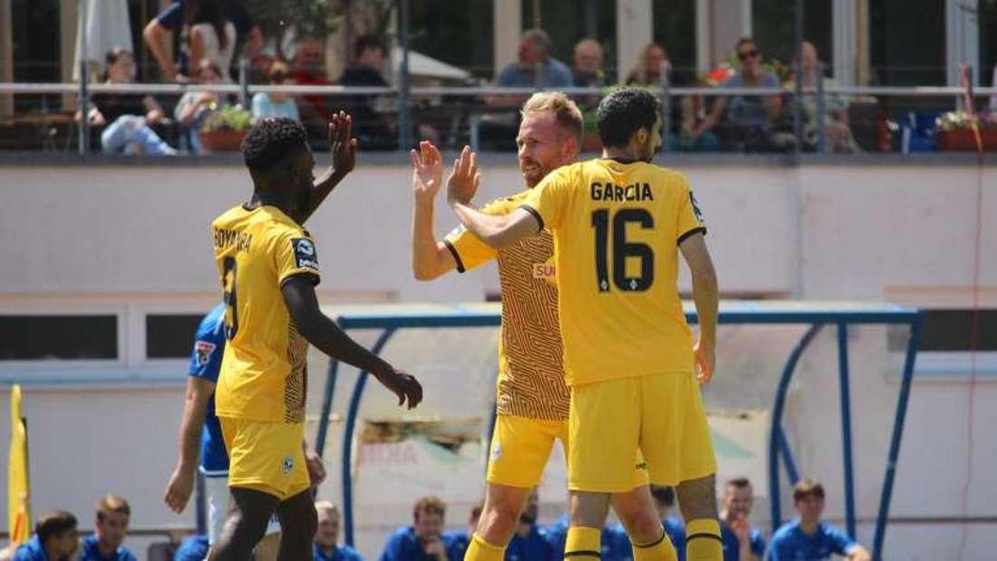 Joseph Boyamba (li.) hat gegen Borussia Dortmund II getroffen. (Archivfoto)
