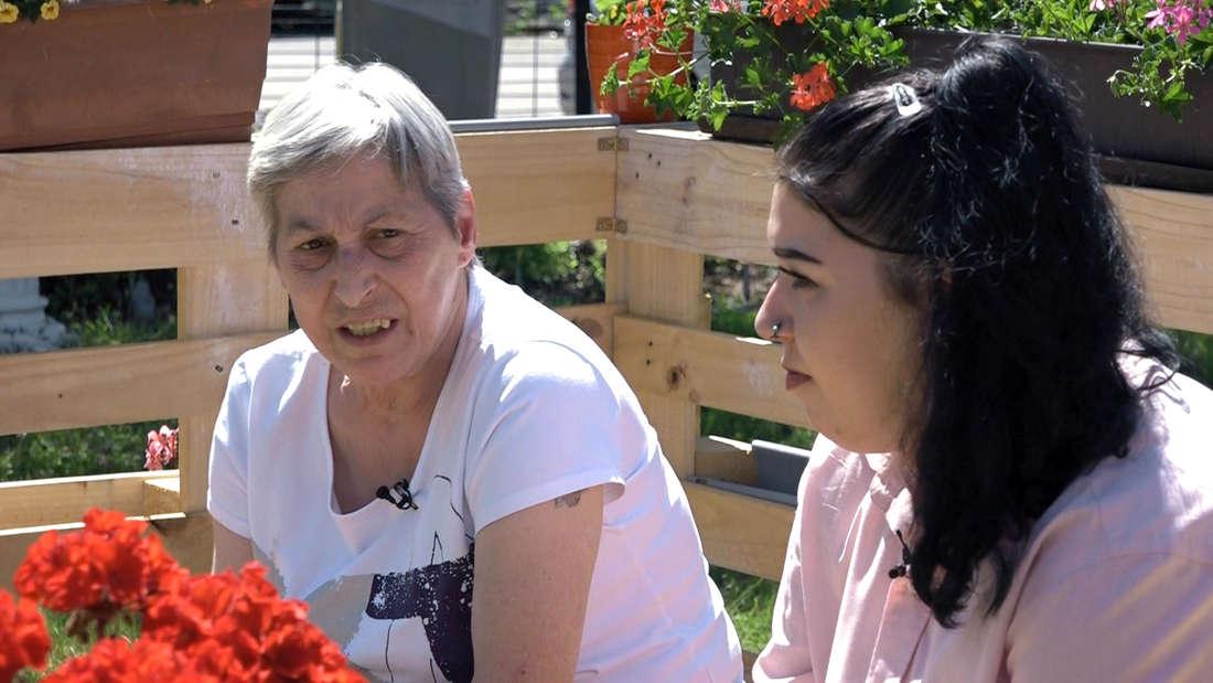 Hartz und herzlich: Dagmar und ihre Enkelin Eileen. (v. li. nach re.)