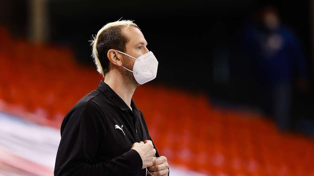 Pascal Hens kritisiert seinen Ex-Trainer Martin Schwalb.
