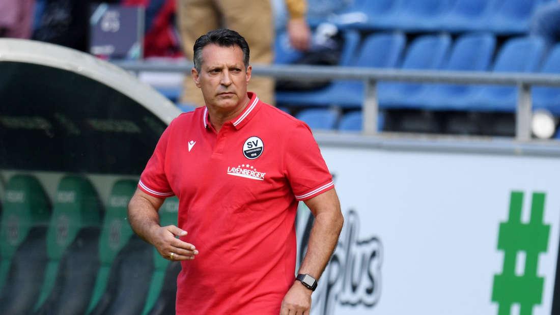 Sandhausen-Trainer Alois Schwartz bei seinem Debüt in Hannover.