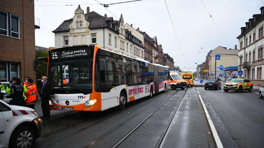 Durch die Vollbremsung konnte ein Unfall zwar vermieden werden, es gab dadurch jedoch mehrere Verletzte im Bus.
